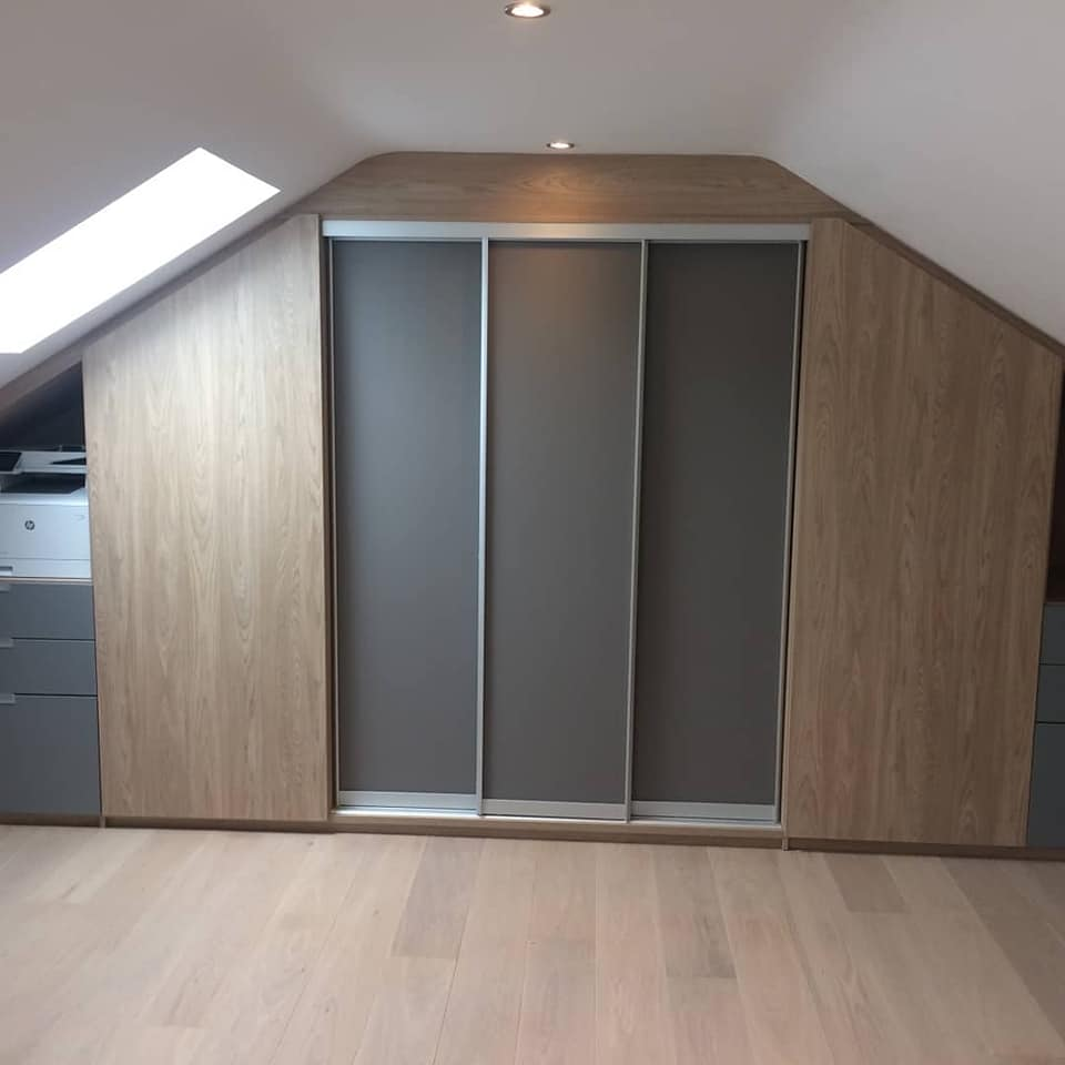 Custom built, sliding door wardrobe with frosted panels