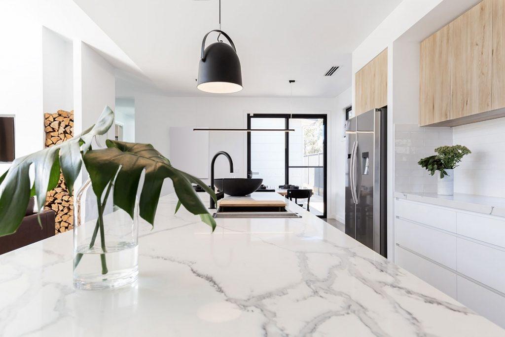 Marble effect Quartz Worktop - Modern Kitchen